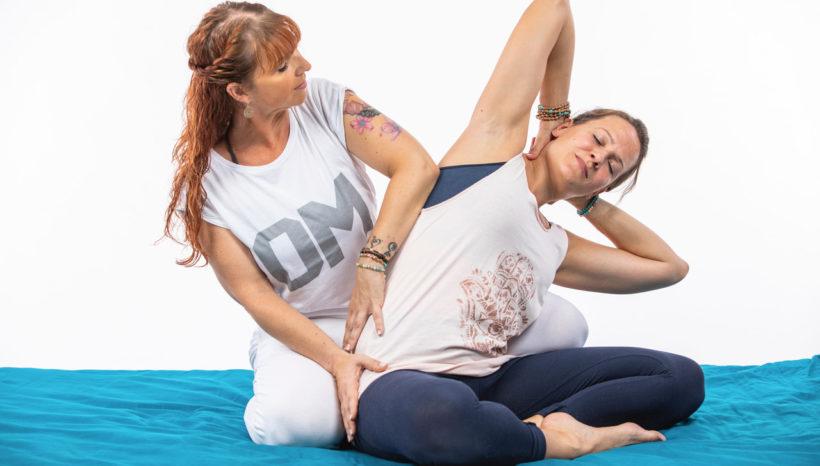 Weiterbildung für Yogalehrer: Thai Yoga für den Yoga-Unterricht mit Sandra Walkenhorst und Silke Schuster
