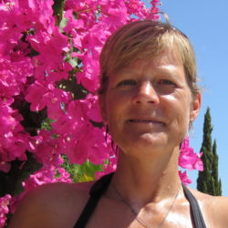 Julia V.